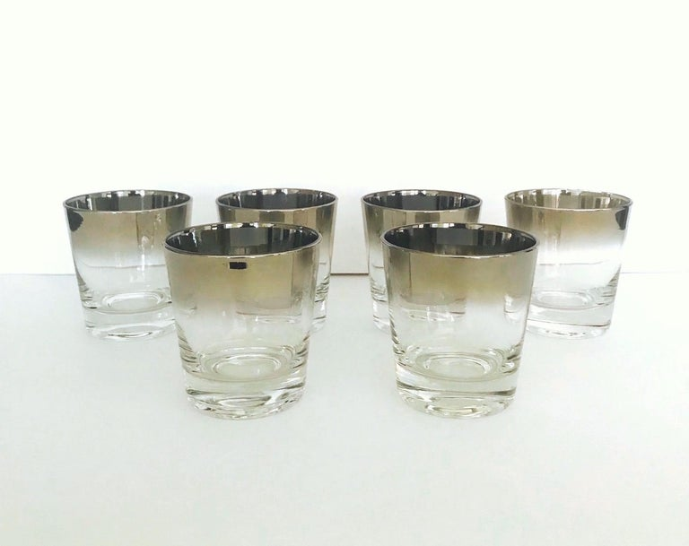 Set of Eight Whiskey Barware Glasses and Martini Shaker by Dorothy Thorpe, 1960s For Sale 5
