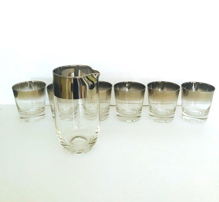 Mid-Century Modern Set of Eight Whiskey Barware Glasses and Martini Shaker by Dorothy Thorpe, 1960s For Sale