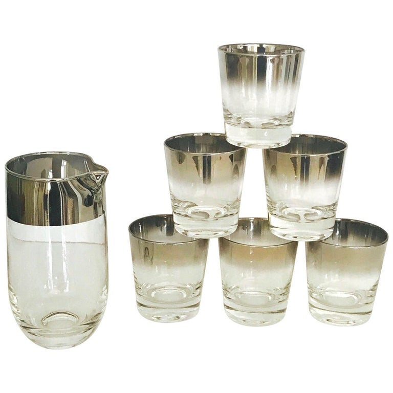 Set of Eight Whiskey Barware Glasses and Martini Shaker by Dorothy Thorpe, 1960s For Sale