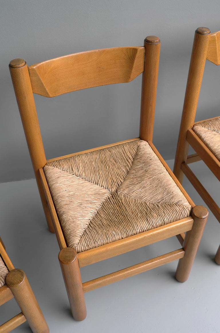 Set of Eight Wood and Rush Chairs in Style of Charlotte Perriand, France, 1960 In Good Condition For Sale In The Hague, NL