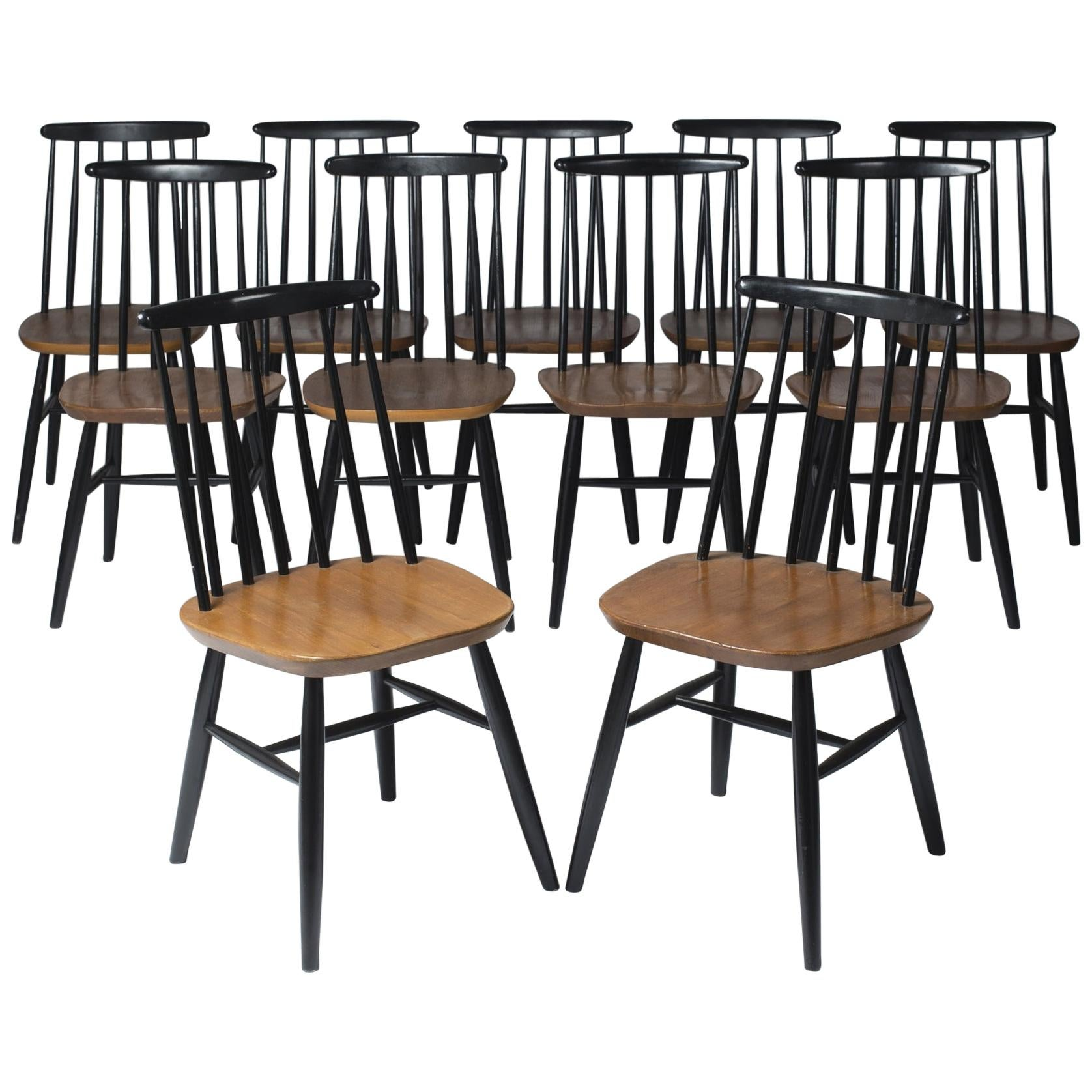 Set of Eleven Chairs by Ilmari Tapiovaara, Finland, circa 1960