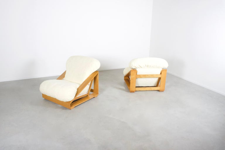 Set of Exceptional Italian Pine and Teddy Fur Lounge Chairs, 1970s In Good Condition For Sale In Echt, NL