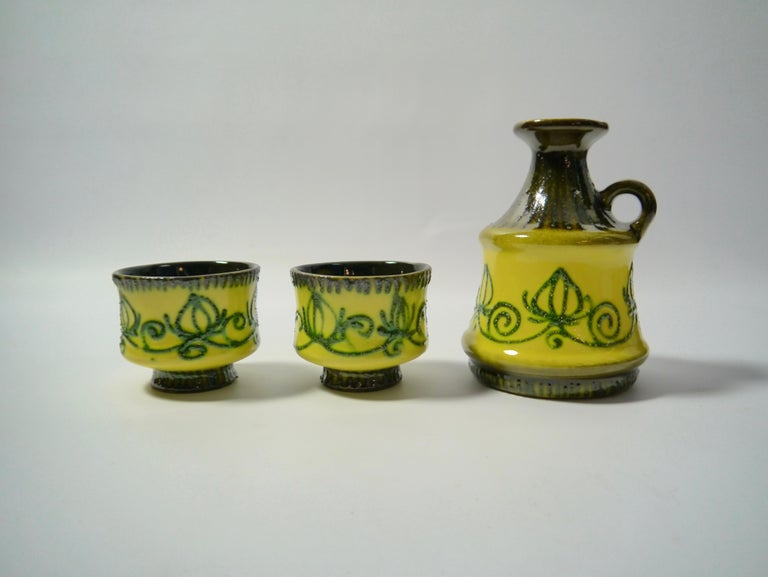 Set of East German pottery by Strehla.
