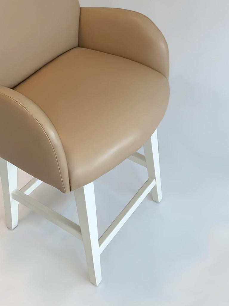 Set of Five Bar or Counter Stools in Lacquer and Leather Midcentury In Good Condition For Sale In Ft Lauderdale, FL