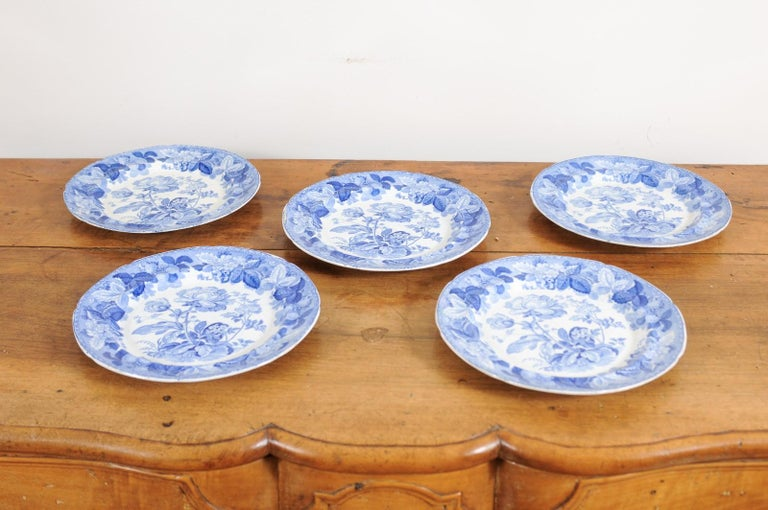 Five English 19th Century Blue and White Porcelain Plates with Floral Pattern For Sale 8