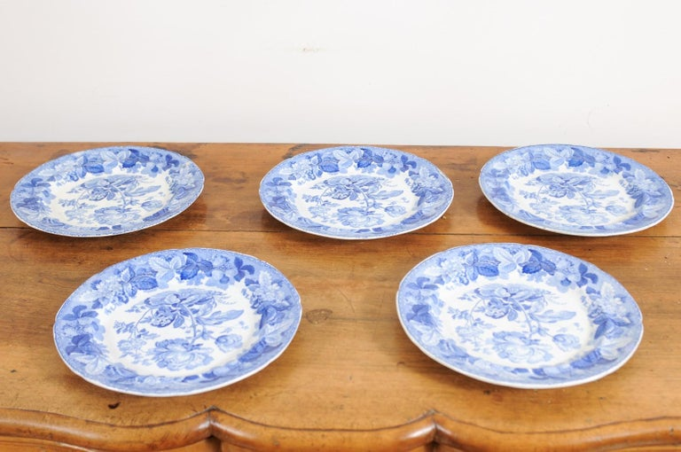 Five English 19th Century Blue and White Porcelain Plates with Floral Pattern For Sale 10
