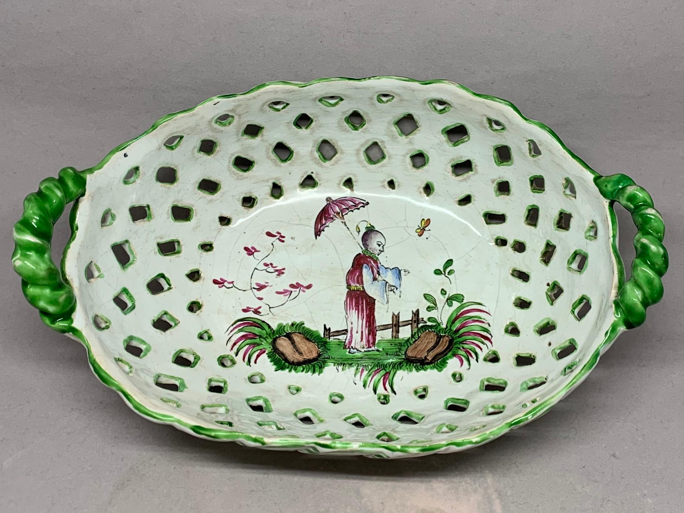 19th Century Set Of Five Chinoiserie Faience Dishes For Sale