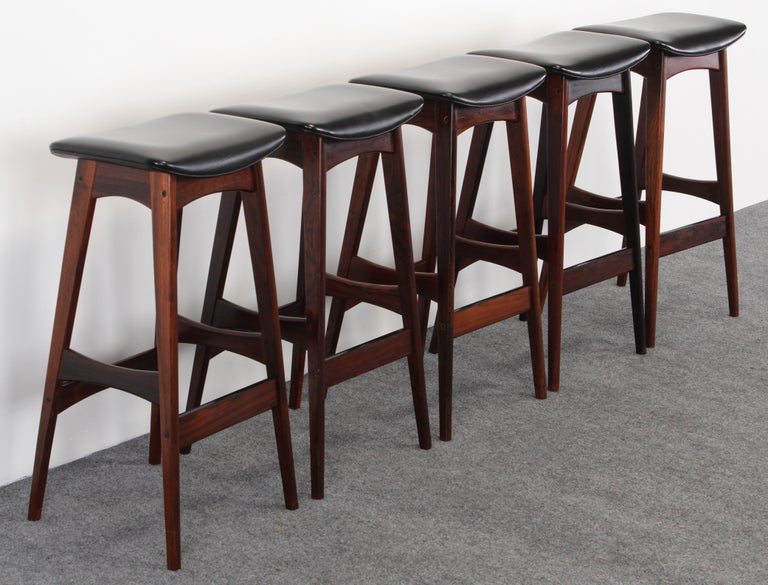 Scandinavian Modern Set of Five Johannes Andersen Rosewood Bar Stools, 1960s For Sale