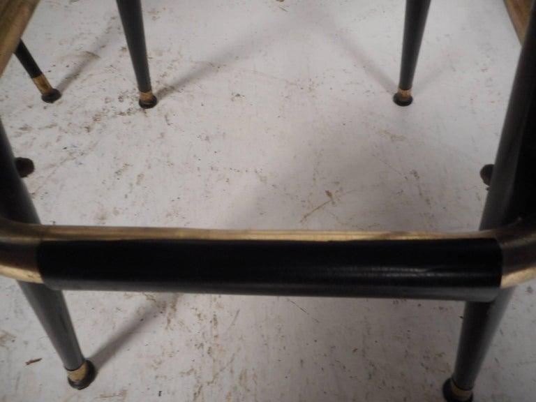 Set of Five Mid-Century Modern Swivel Bar Stools For Sale 4