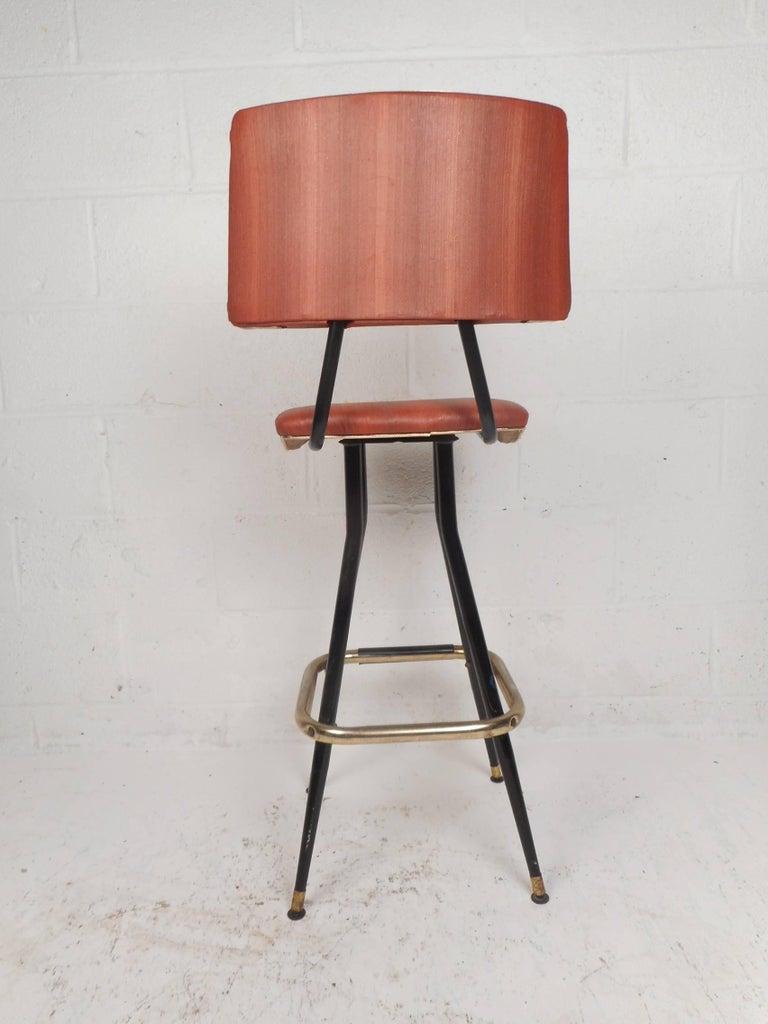 Metal Set of Five Mid-Century Modern Swivel Bar Stools For Sale