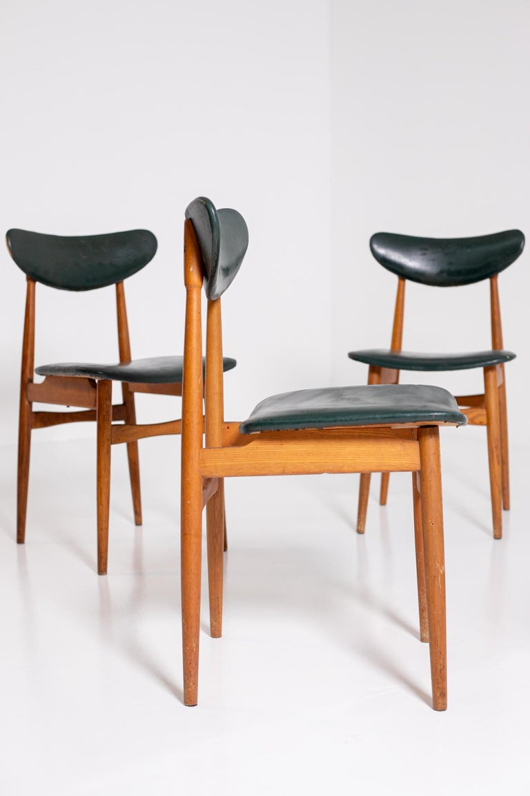 Set of Five Nordic Chairs in Green Leather and Wood, 1950s For Sale 8