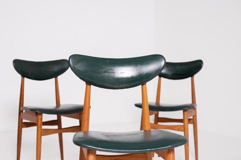 Set of Five Nordic Chairs in Green Leather and Wood, 1950s For Sale 2