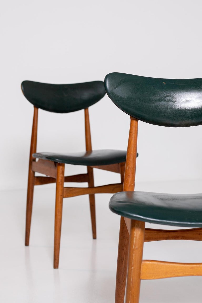 Set of Five Nordic Chairs in Green Leather and Wood, 1950s For Sale 3