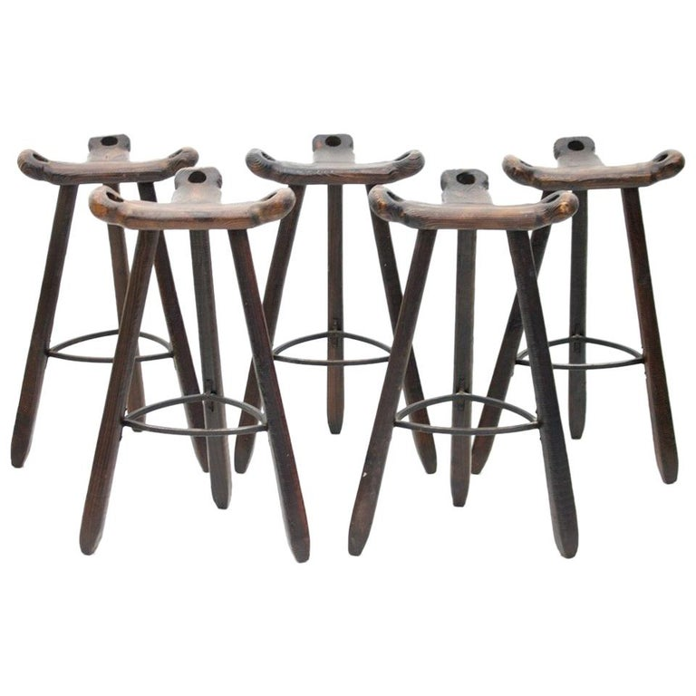 Set of Five Spanish Brutalist Bar Stools in Solid Wood, 1960s For Sale
