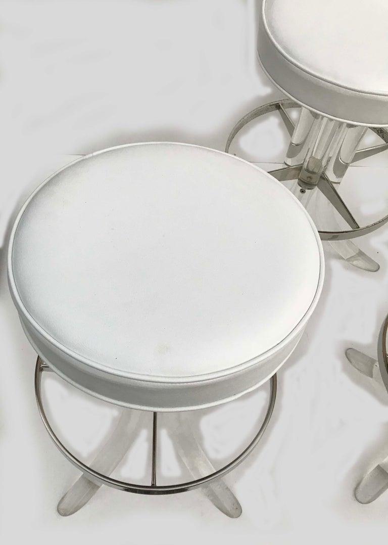 American Set of Five Swiveling Lucite Bar Stool For Sale