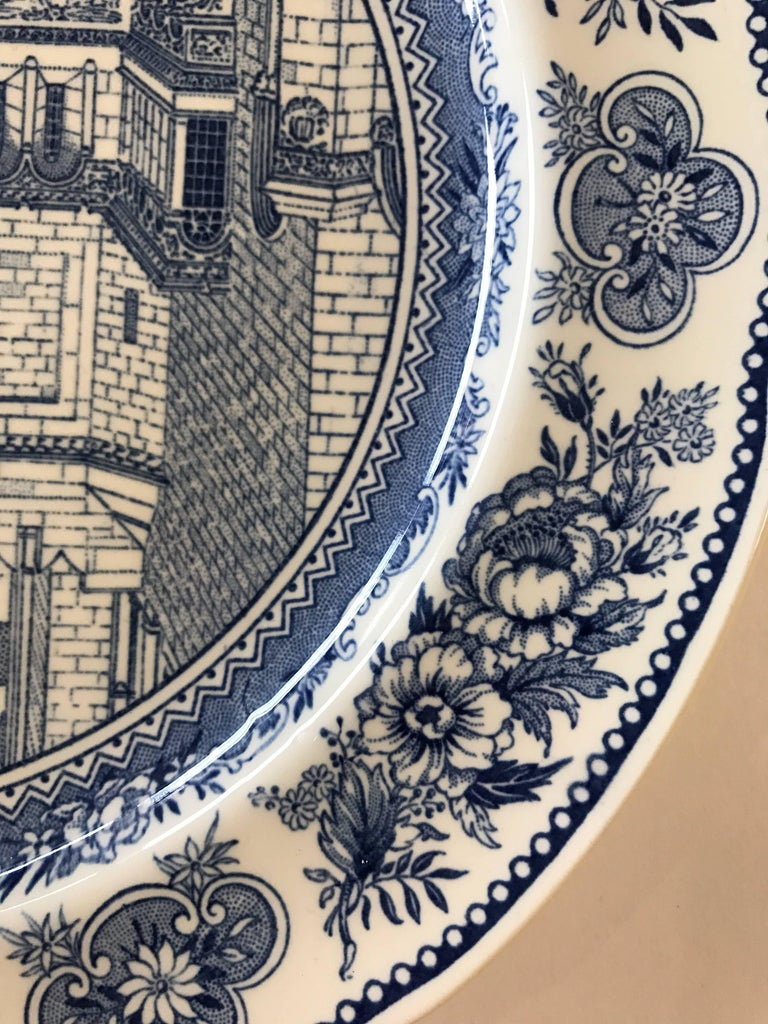 Set of Five Wedgwood Blue and White Yale University Plates For Sale 2