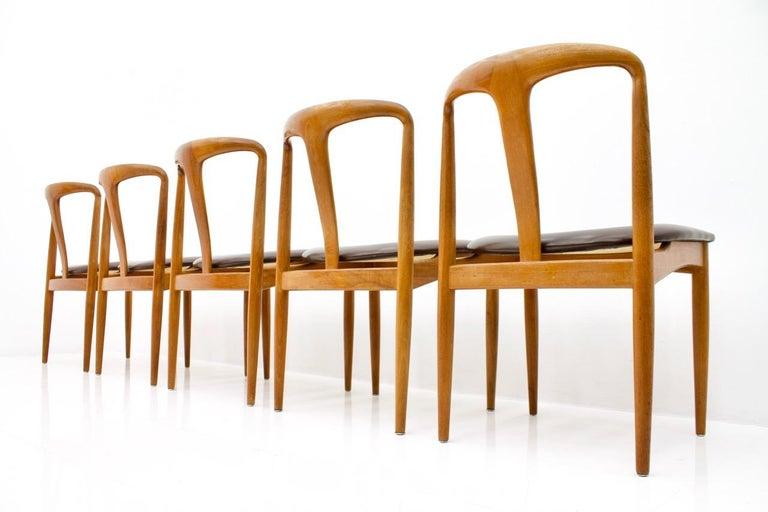 Set of Five Teak Dining Chairs Juliane by Johannes Andersen Denmark For Sale 3