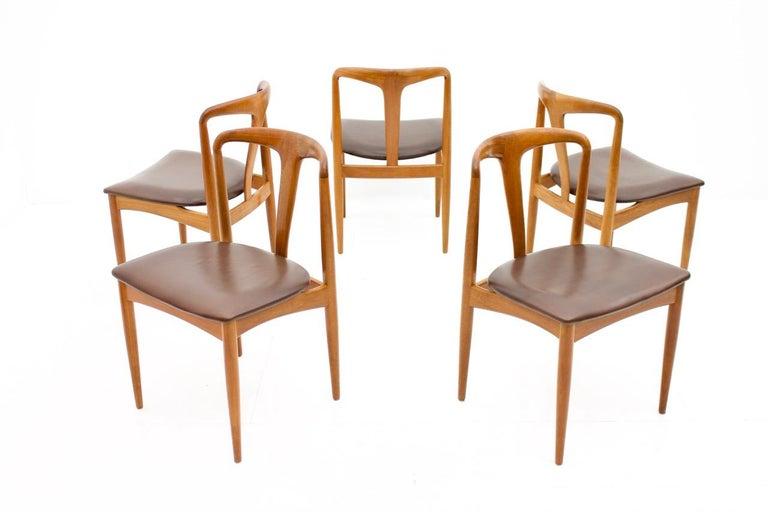 Set of Five Teak Dining Chairs Juliane by Johannes Andersen Denmark For Sale 5