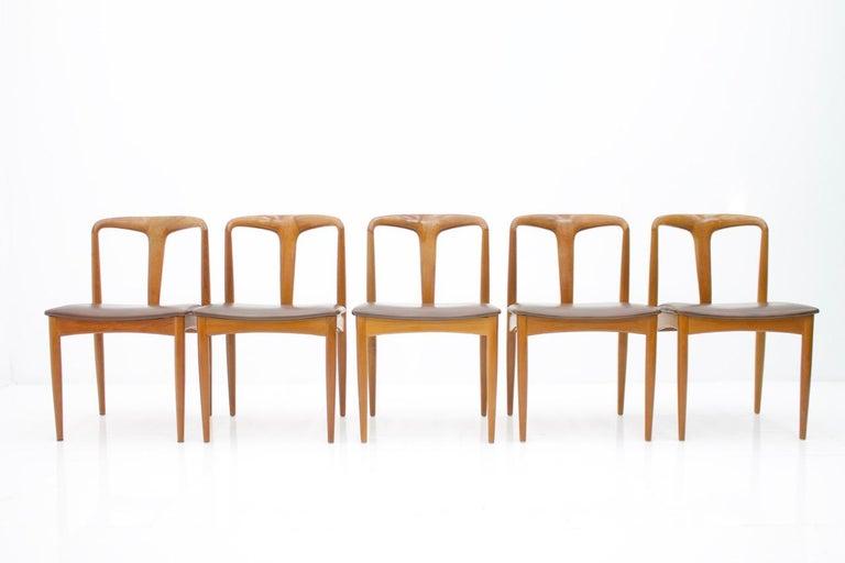 Scandinavian Modern Set of Five Teak Dining Chairs Juliane by Johannes Andersen Denmark For Sale