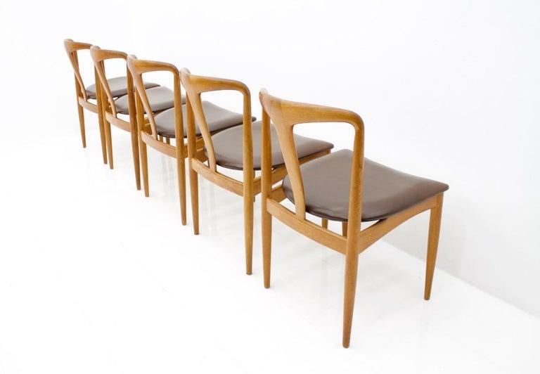 Set of Five Teak Dining Chairs Juliane by Johannes Andersen Denmark In Good Condition For Sale In Frankfurt / Dreieich, DE