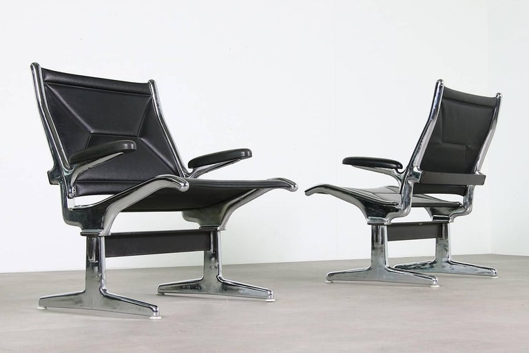 Set of Four 1960s Charles Eames Airport Chairs for Herman Miller, Black & Chrome For Sale 3