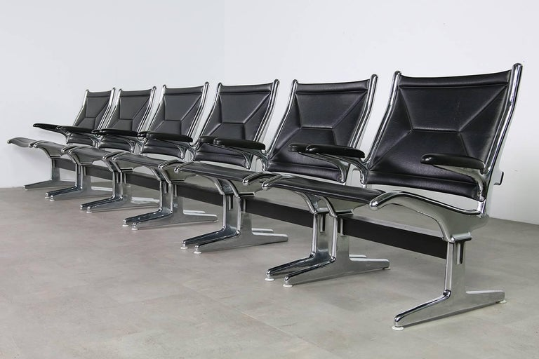 Set of Four 1960s Charles Eames Airport Chairs for Herman Miller, Black & Chrome For Sale 5