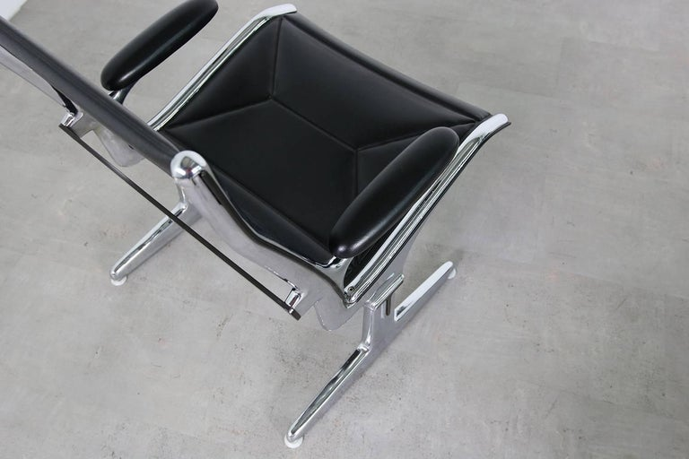 Metal Set of Four 1960s Charles Eames Airport Chairs for Herman Miller, Black & Chrome For Sale