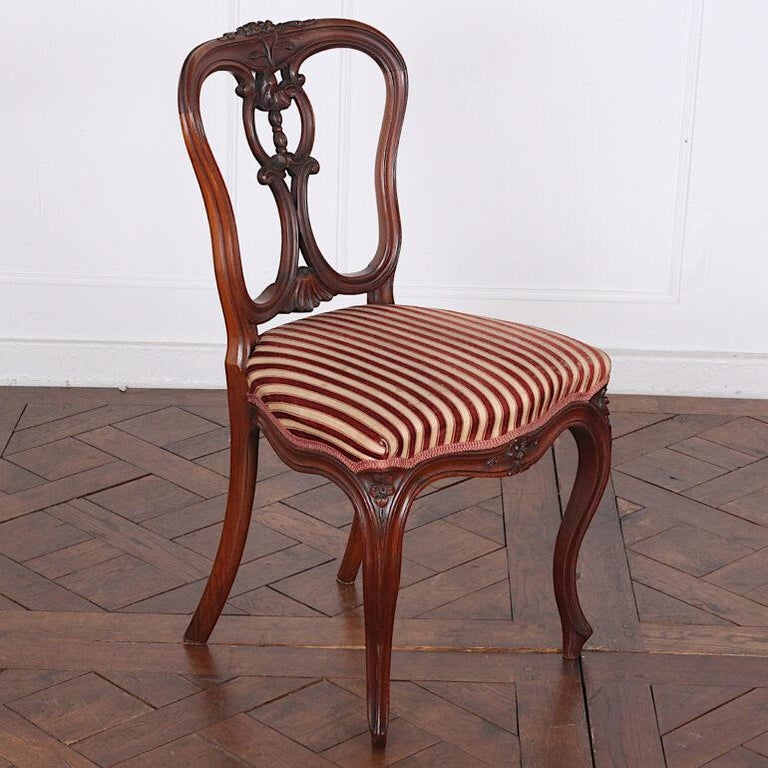 Set of Four 19th Century French Carved Mahogany Chairs In Good Condition For Sale In Vancouver, British Columbia