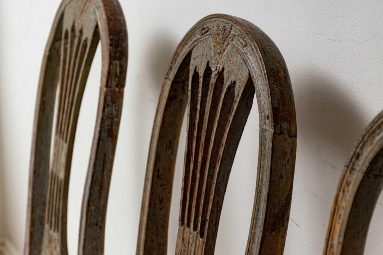 Set of Four 19th Century Hand Painted Swedish Wheat Sheaf Dining Chairs For Sale 4