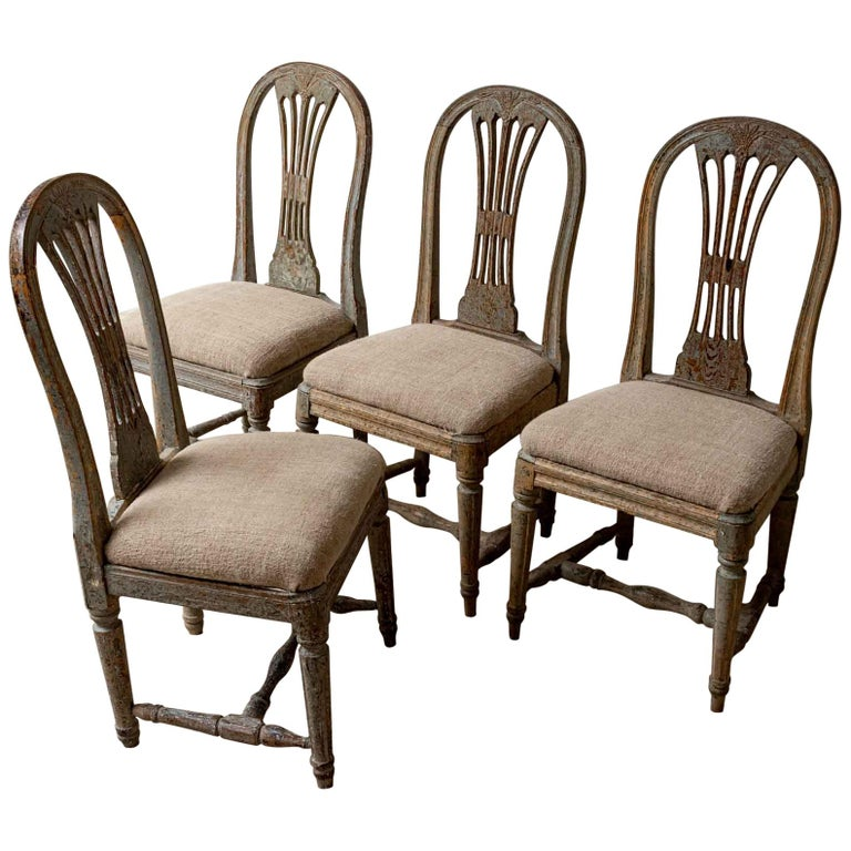 Set of Four 19th Century Hand Painted Swedish Wheat Sheaf Dining Chairs For Sale