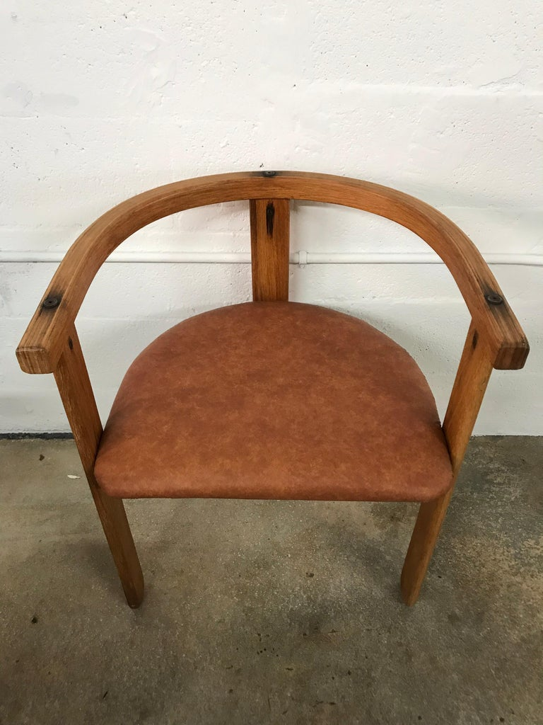 Set of Four Oak Dining Chairs, Style of Carlo Scarpa, circa 1968 For Sale 3