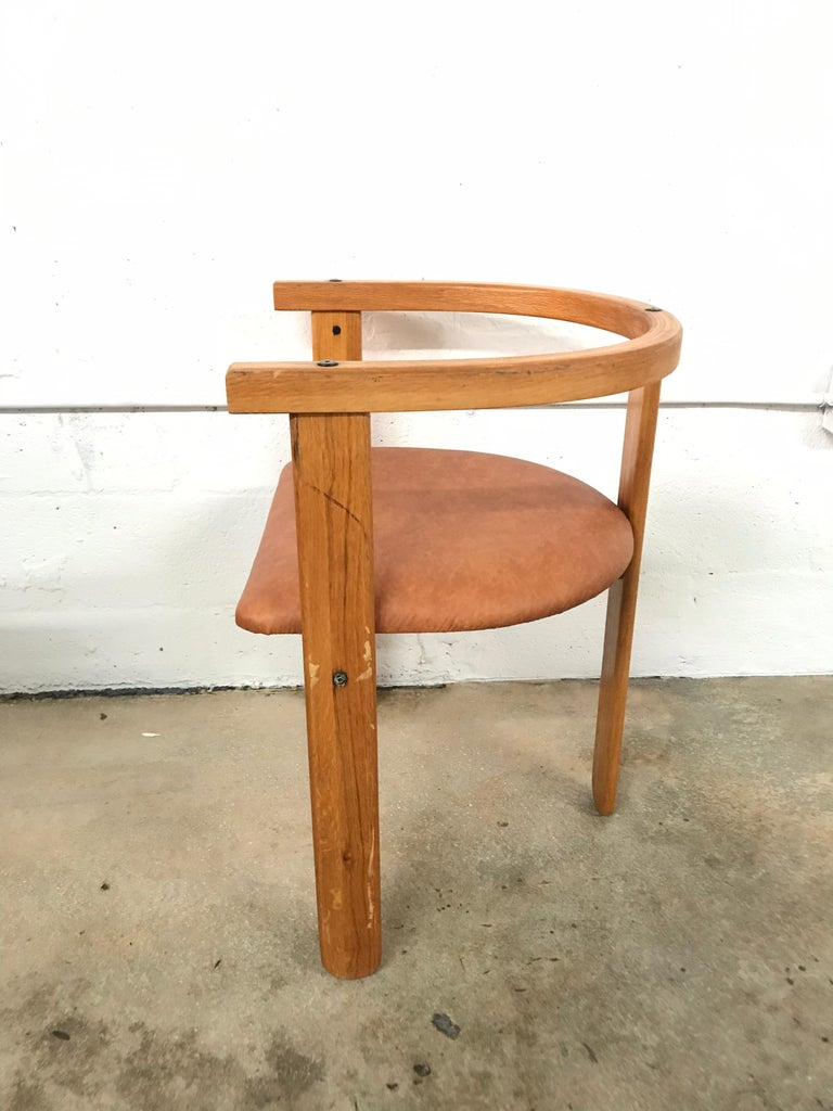Italian Set of Four Oak Dining Chairs, Style of Carlo Scarpa, circa 1968 For Sale