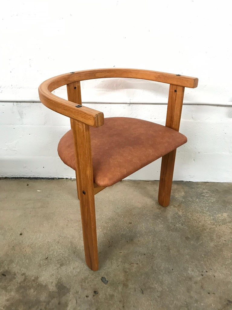 Faux Leather Set of Four Oak Dining Chairs, Style of Carlo Scarpa, circa 1968 For Sale