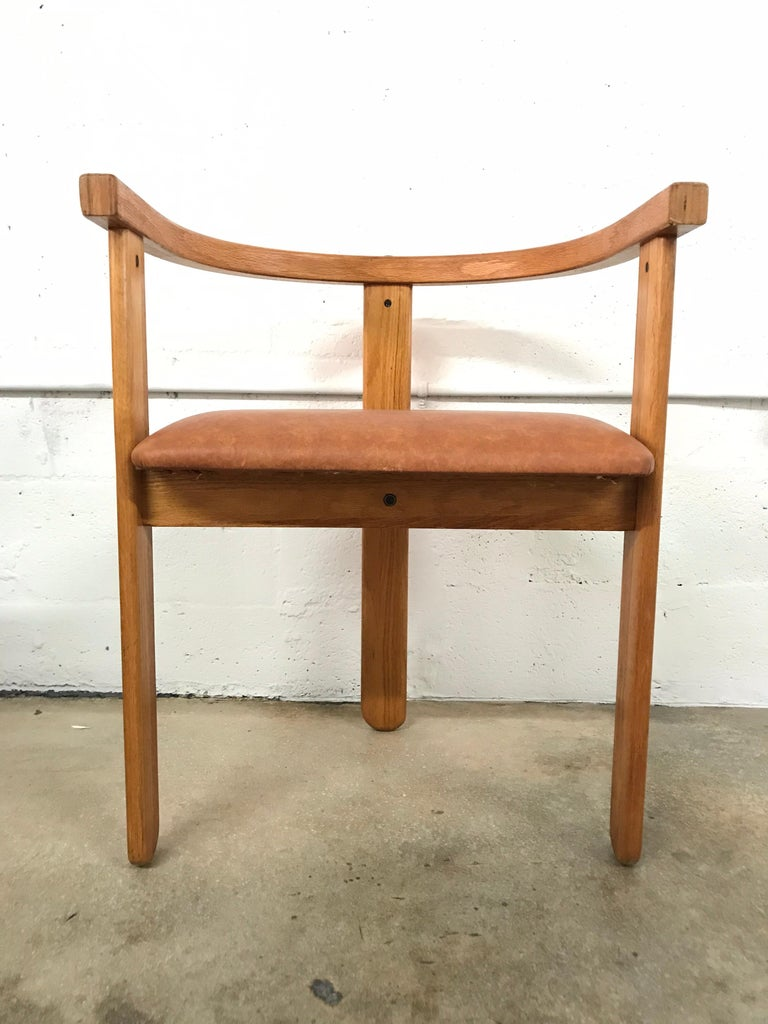 Set of Four Oak Dining Chairs, Style of Carlo Scarpa, circa 1968 For Sale 1