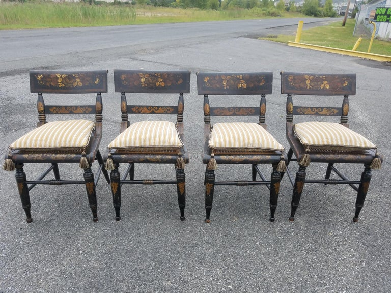 Set of Four American Fancy Chairs, Baltimore, circa 1820s For Sale 2