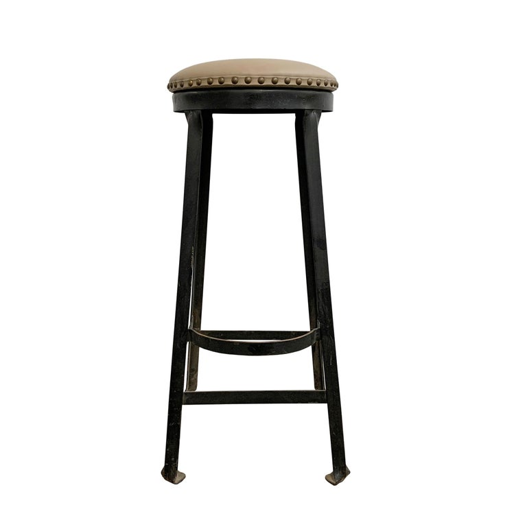 Set of Four American Industrial Bar Stools In Good Condition For Sale In Chicago, IL