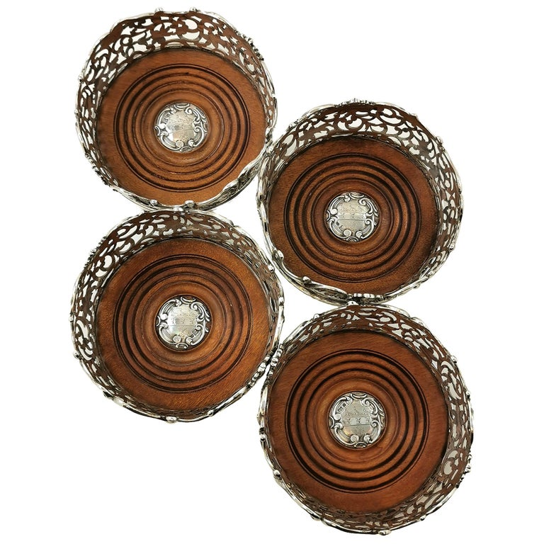 Set of Four Antique Victorian Sterling Silver Wine Bottle Coasters, 1843 In Good Condition For Sale In London, GB
