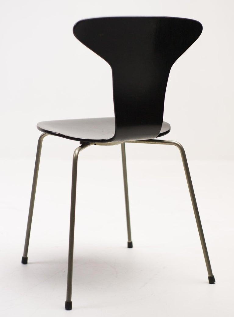 Scandinavian Modern Set of Four Arne Jacobsen for Fritz Hansen 3105 Dining Chairs For Sale