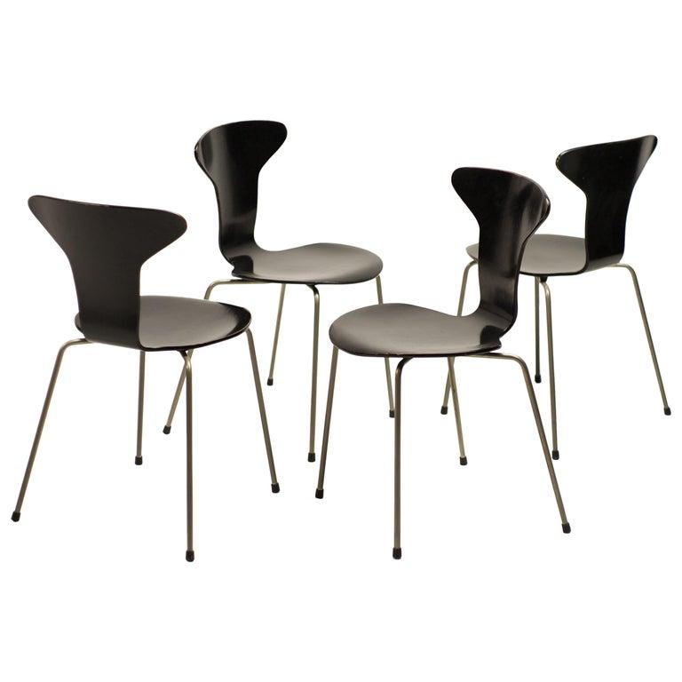 Set of Four Arne Jacobsen for Fritz Hansen 3105 Dining Chairs For Sale