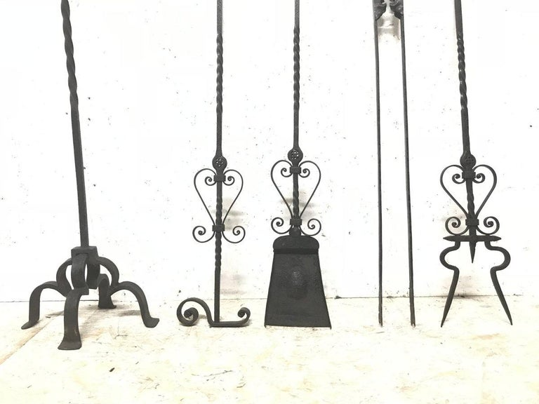 English Set of Four Arts & Crafts Hand-Forged Iron Fire Utensils on a Matching Stand For Sale