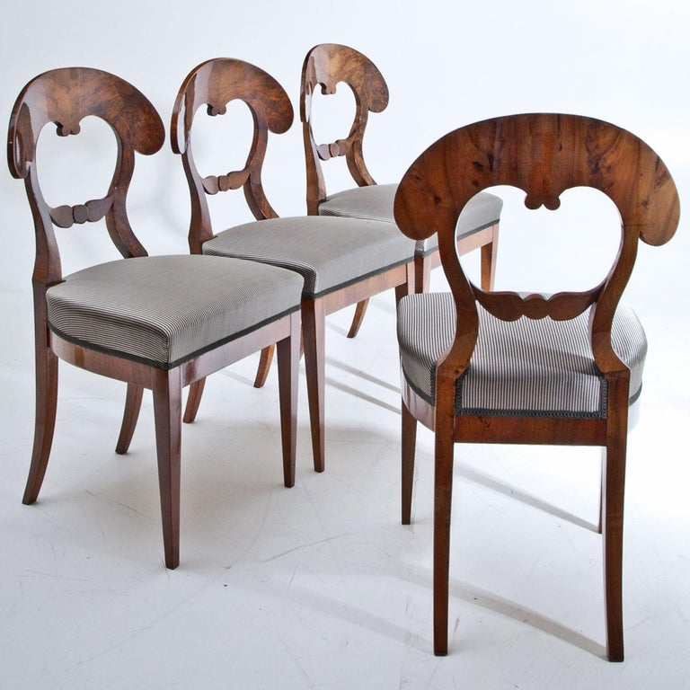 Set of Four Biedermeier Chairs, 1820s In Good Condition For Sale In Greding, DE