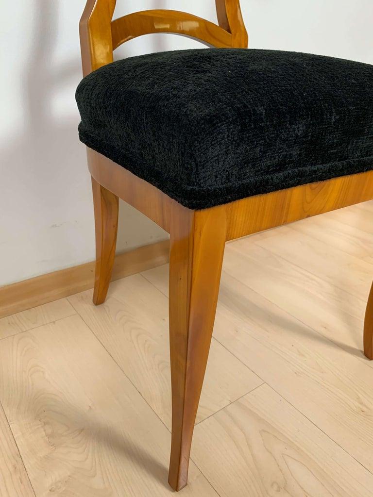 Set of Four Biedermeier Shovel Chairs, Cherry Veneer, South Germany, circa 1820 For Sale 10