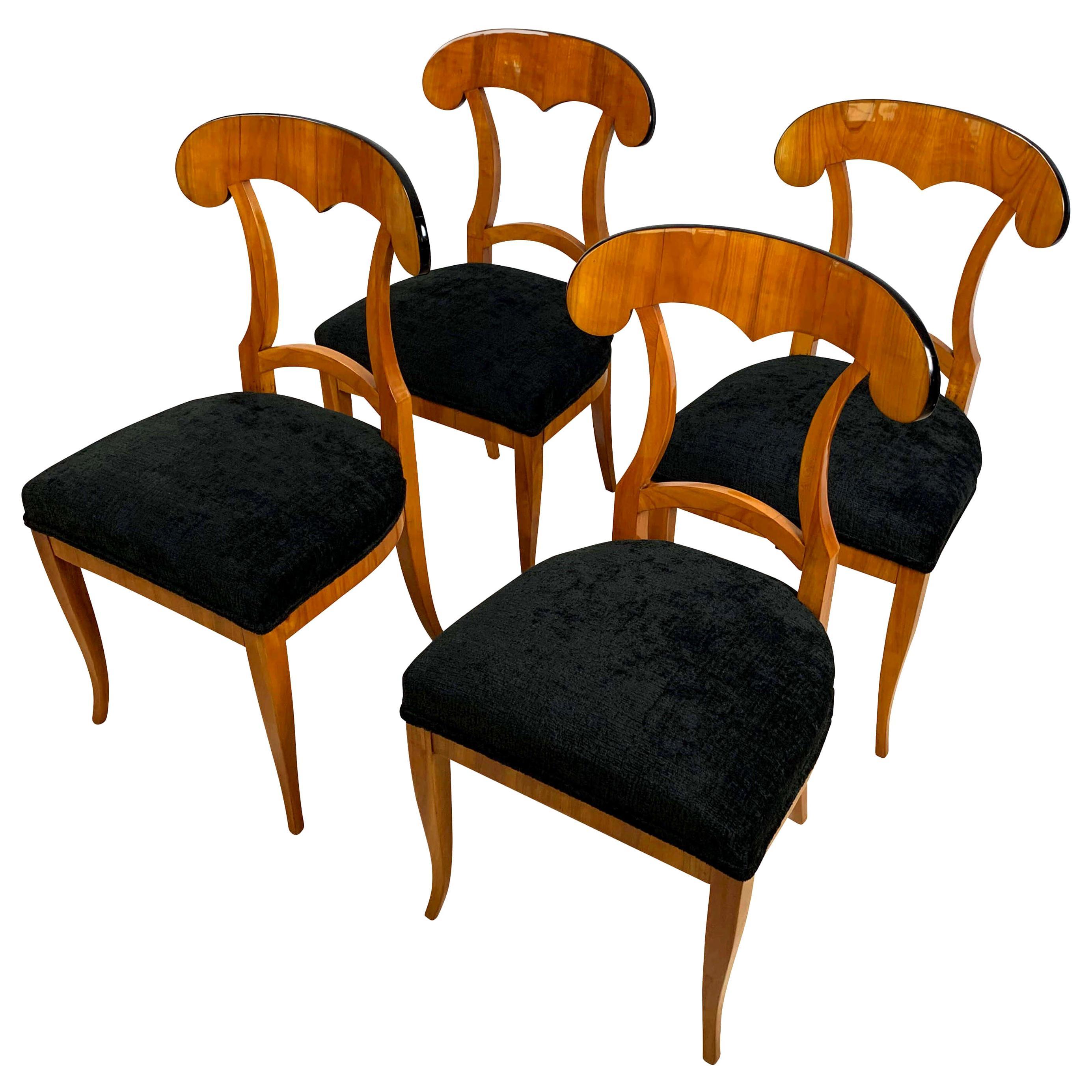 Set of Four Biedermeier Shovel Chairs, Cherry Veneer, South Germany, circa 1820