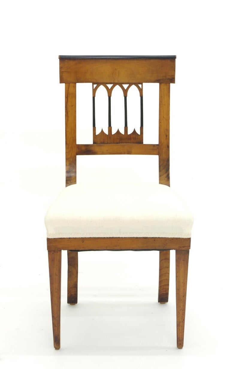 Set of Four Biedermeier Side Chairs, circa 1810-1820 In Good Condition For Sale In St. Louis, MO
