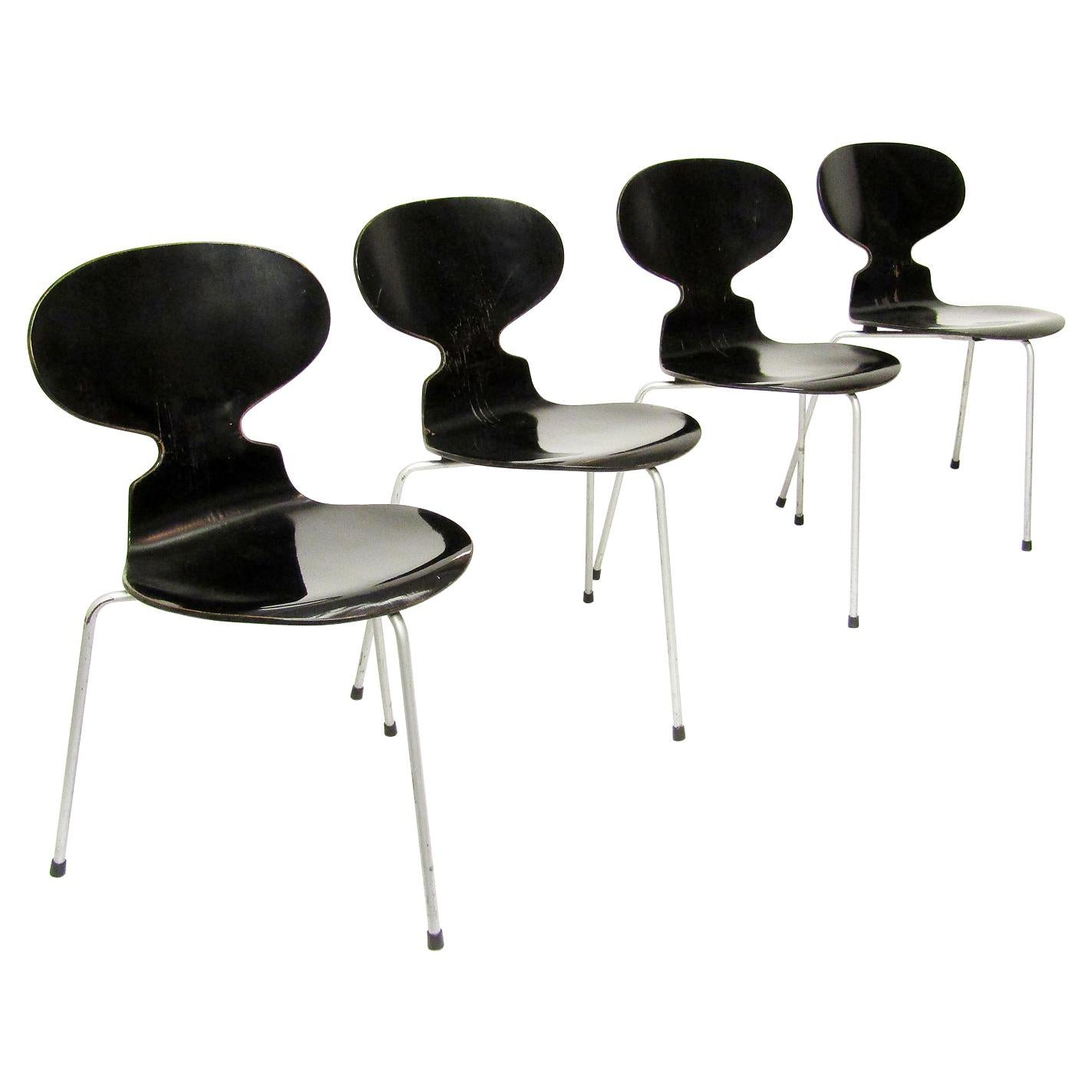 Set of Four Black 1950s Danish Ant Chairs by Arne Jacobsen for Fritz Hansen