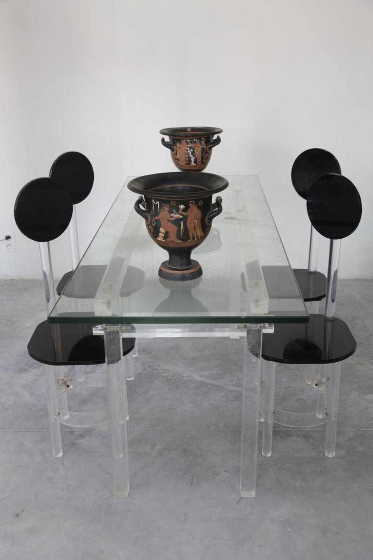 Set of Four Black and Clear Sculptural Lucite High Back Dining Room Chairs 1970s In Excellent Condition For Sale In Antwerp, BE