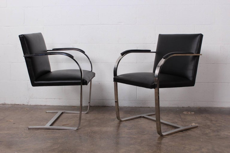 Set of Four Black Leather Brno Chairs for Knoll In Excellent Condition For Sale In Dallas, TX