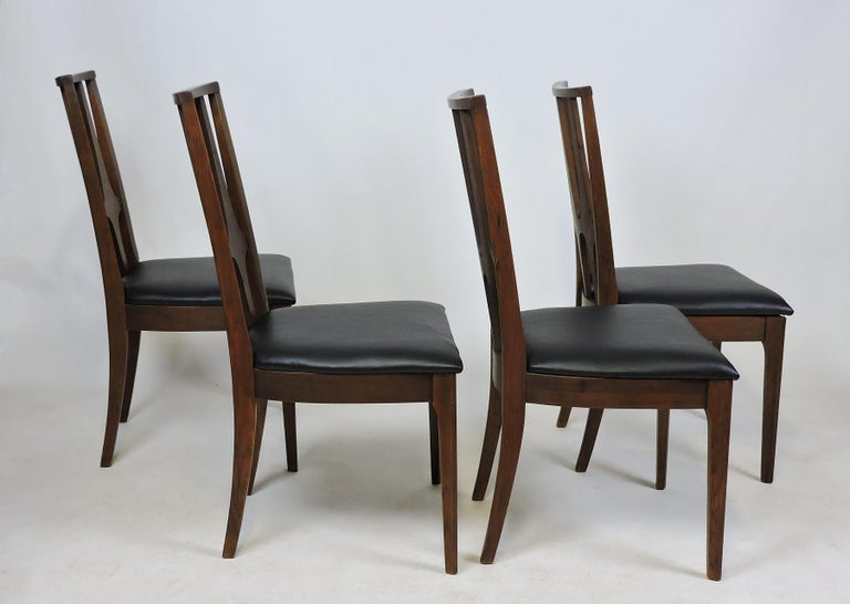 Set of Four Brasilia Mid-Century Modern Walnut Dining Chairs In Excellent Condition For Sale In Chesterfield, NJ