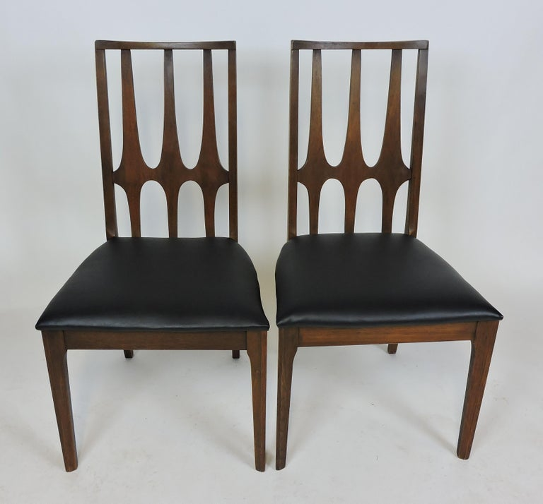 Set of Four Brasilia Mid-Century Modern Walnut Dining Chairs For Sale 1