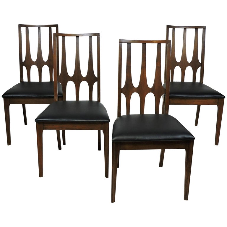 Set of Four Brasilia Mid-Century Modern Walnut Dining Chairs For Sale